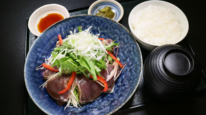 カツオのたたき 薬味野菜のっけ盛り.jpg